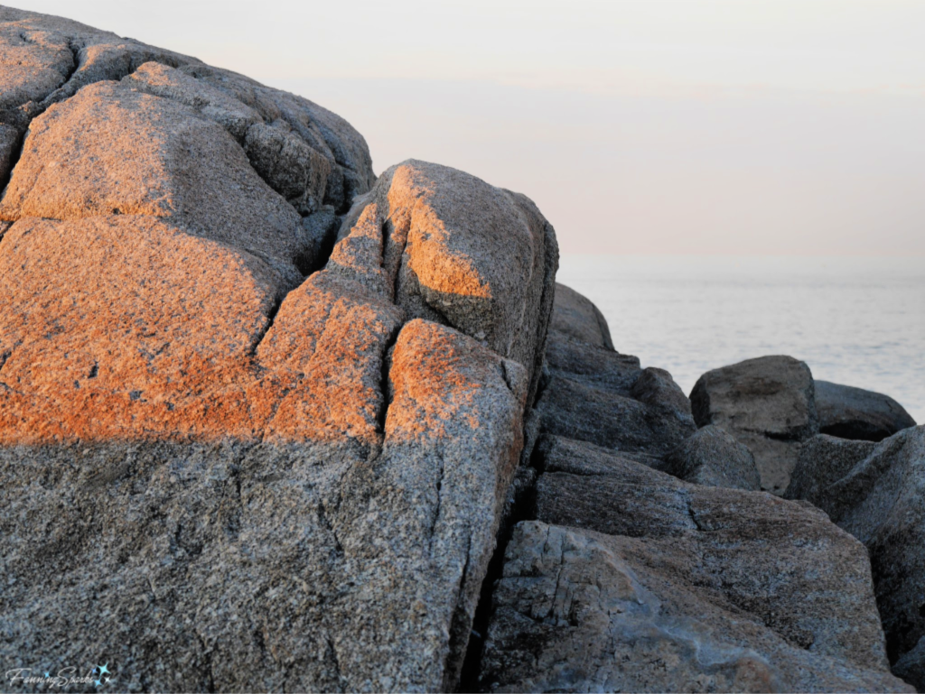 Granite Boulders at Peggy's Cove have Abrasive Texture.   @FanningSparks